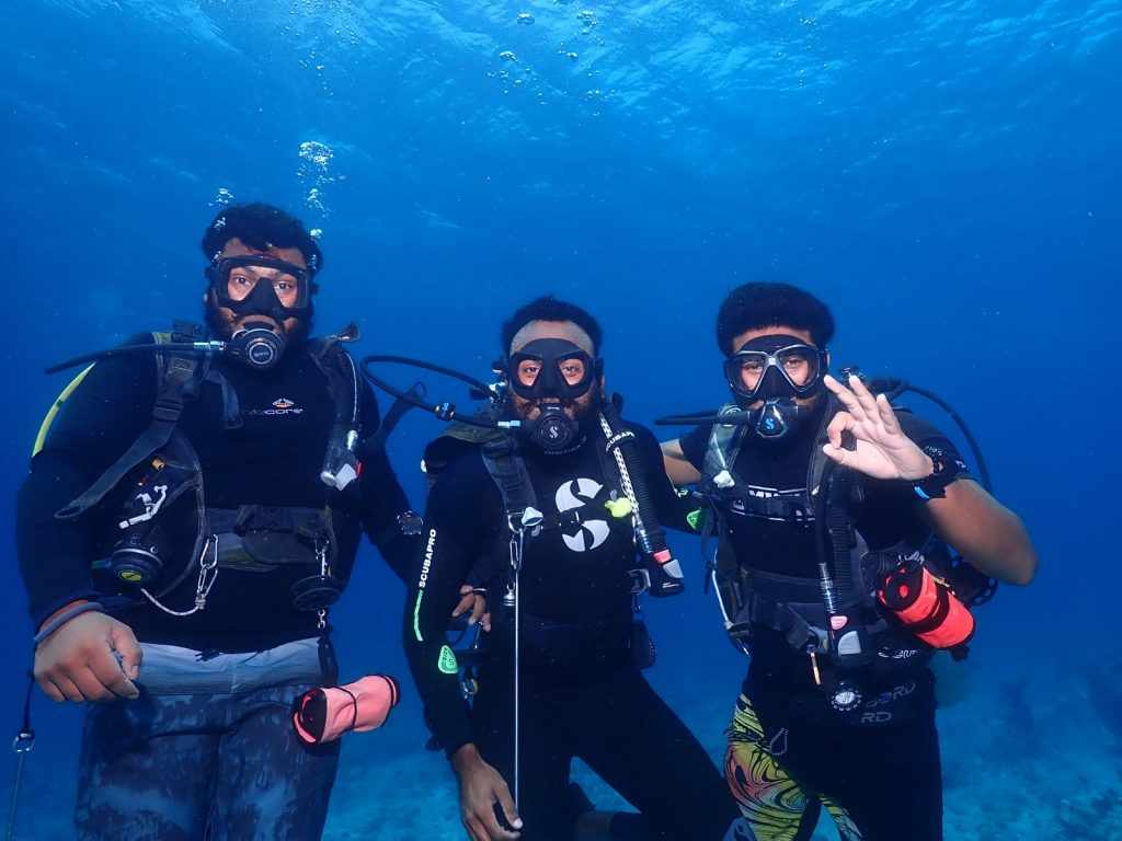 dive team Carpe Novo Maldives scuba diving